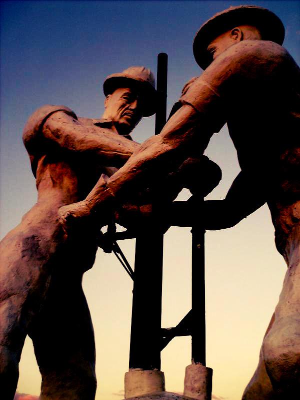 MonumentoaltrabajadorPetrolero_Cabimas_Economia